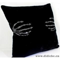 标车族汽车枕头靠枕靠背四季通用镶钻天使之手靠枕车用抱枕腰靠垫
