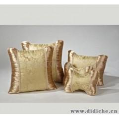 厂家供应提花面料梦幻花语金黄色汽车抱枕,支持小额批发