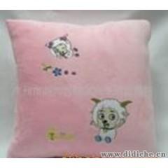 厂家直销喜洋洋卡通两用汽车抱枕被,支持支付宝付款。