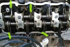 汽车发动机调气门简单调两次调气门方法